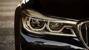 Beurzen Vandaag: licht herstel, autofabrikanten in het rood